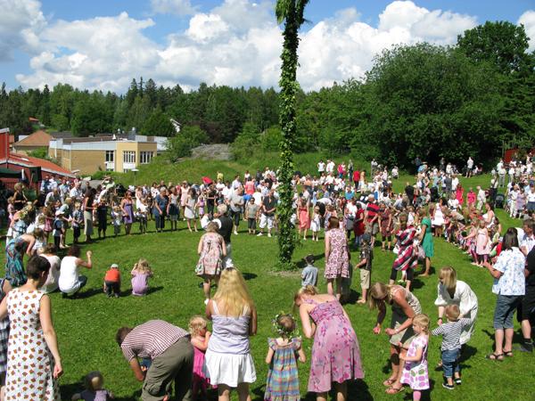 Midsommar firande vid Råssla